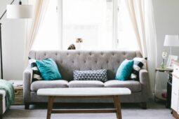 Tempur-senge og HAY-sofaer i moderne design